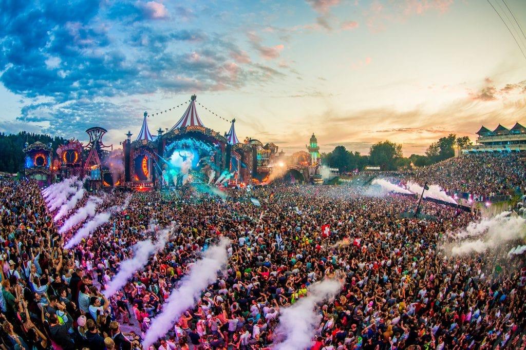 Revel Travel - 4 lễ hội âm nhạc nổi tiếng nhất thế giới