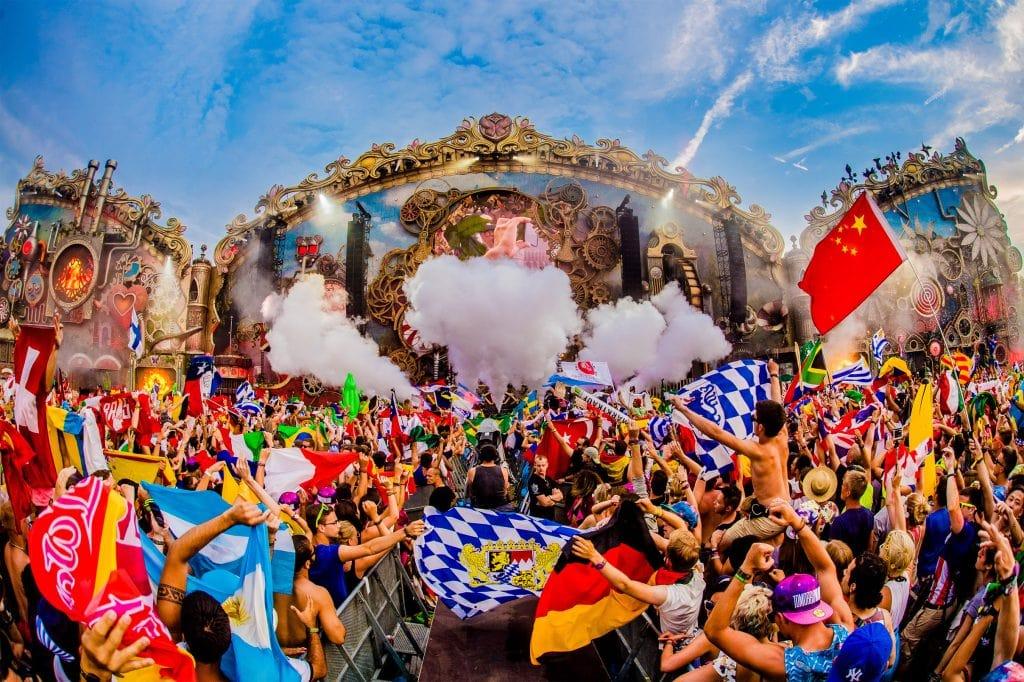 Wonderland in Rave - 4 lễ hội âm nhạc nổi tiếng nhất thế giới