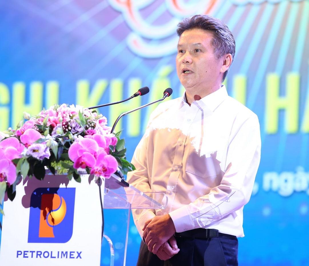 Ủy viên HĐQT – Tổng Giám đốc Petrolimex Phạm Đức Thắng phát biểu chào mừng và tri ân khách hàng