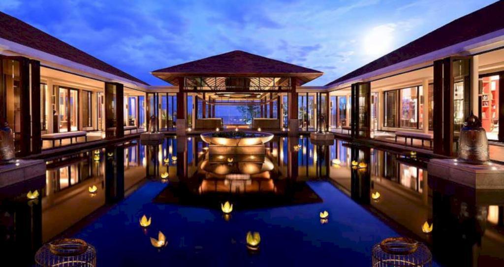 Resort Banyan Tree Lang Co, Thừa Thiên Huế được thiết kế với phong cách vua chúa phong kiến ngày xưa